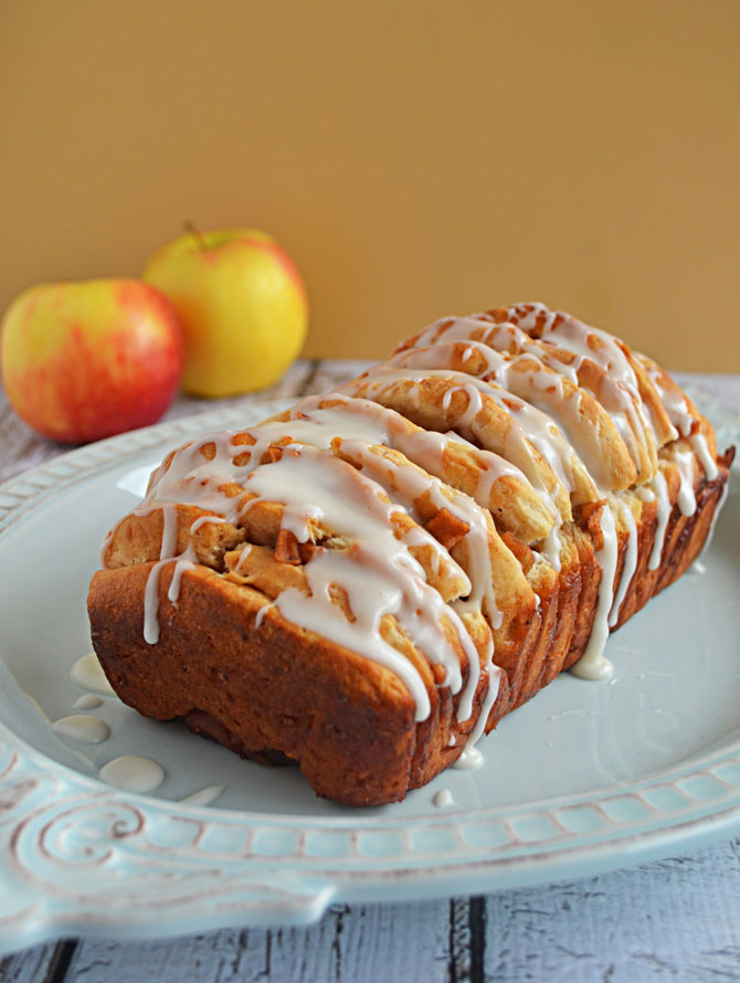 Apple Fritter Pull-Apart Bread