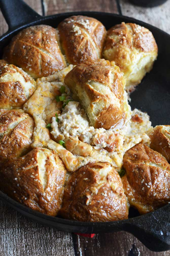Pull-Apart Pretzel Skillet with Beer Cheese Dip.  This skillet is great for a party or game day!