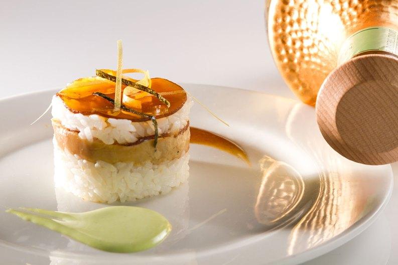 Hedone-Sensaciones-Citricas-Casa-Virginia+Torobi-Platillos-Sushi-Cake-de-Foie-Gras-1