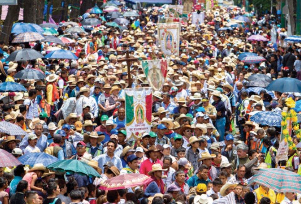 http://sintesis.mx/articulos/72368/peregrinos-de-atlacomulco-llegan-a-la-basilica-de/nacionales
