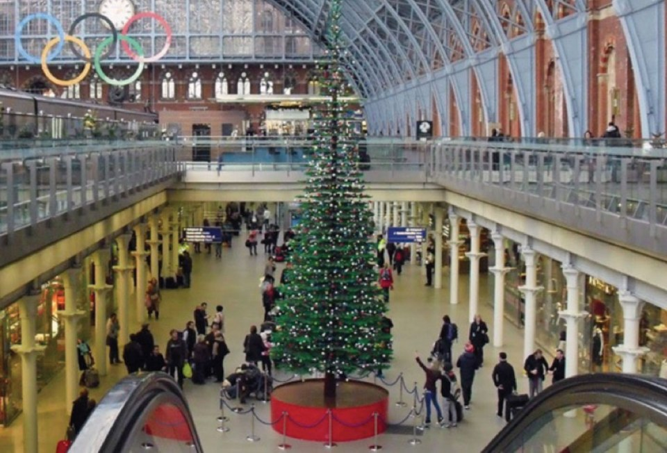http://hypebeast.com/2011/11/lego-christmas-tree-in-london