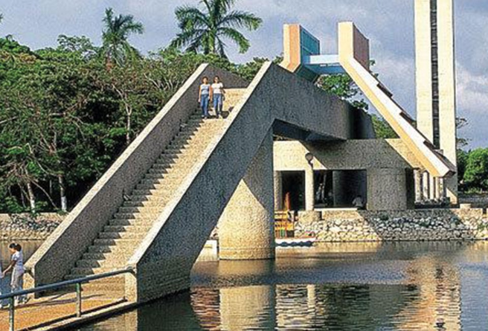 http://photos.wikimapia.org/p/00/01/48/89/78_big.jpg