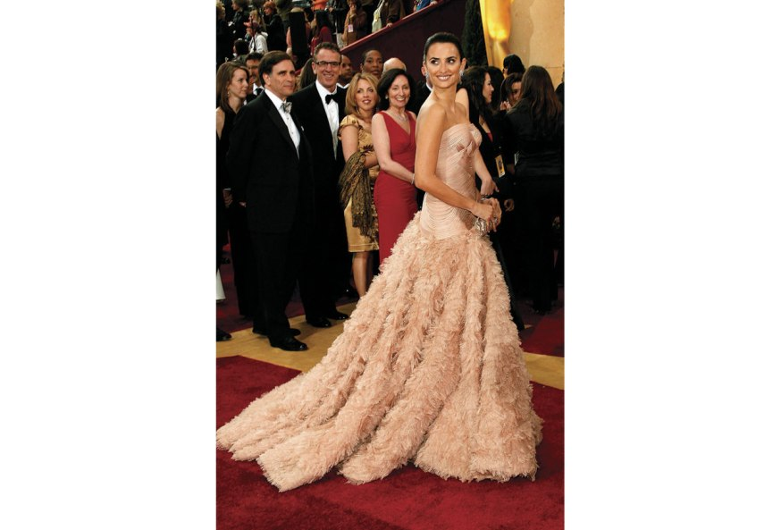 http://tatistidbits.com/2013/02/22/favorite-all-time-oscar-looks/