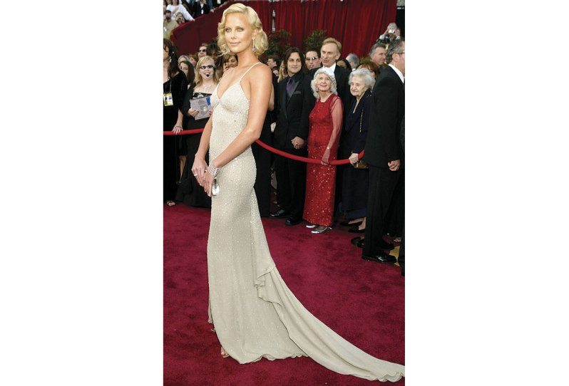 http://www.aol.com/article/2015/02/20/stunning-gowns-of-best-actress-oscar-winners-past/20837067/