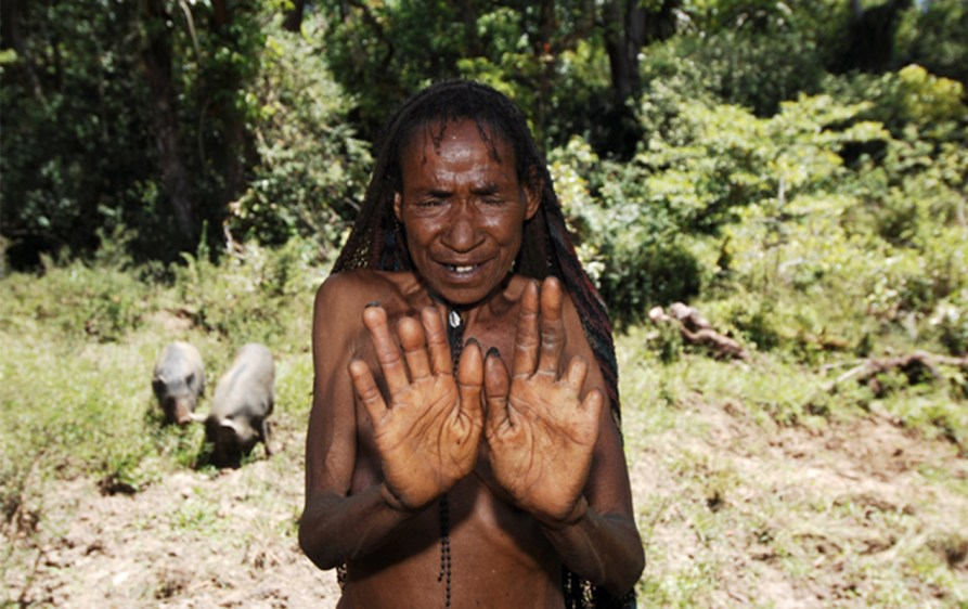http://www.granazul.com/wp-content/gallery/reportaje-la-tribu-de-los-danis/tribu-danis-90c.jpg