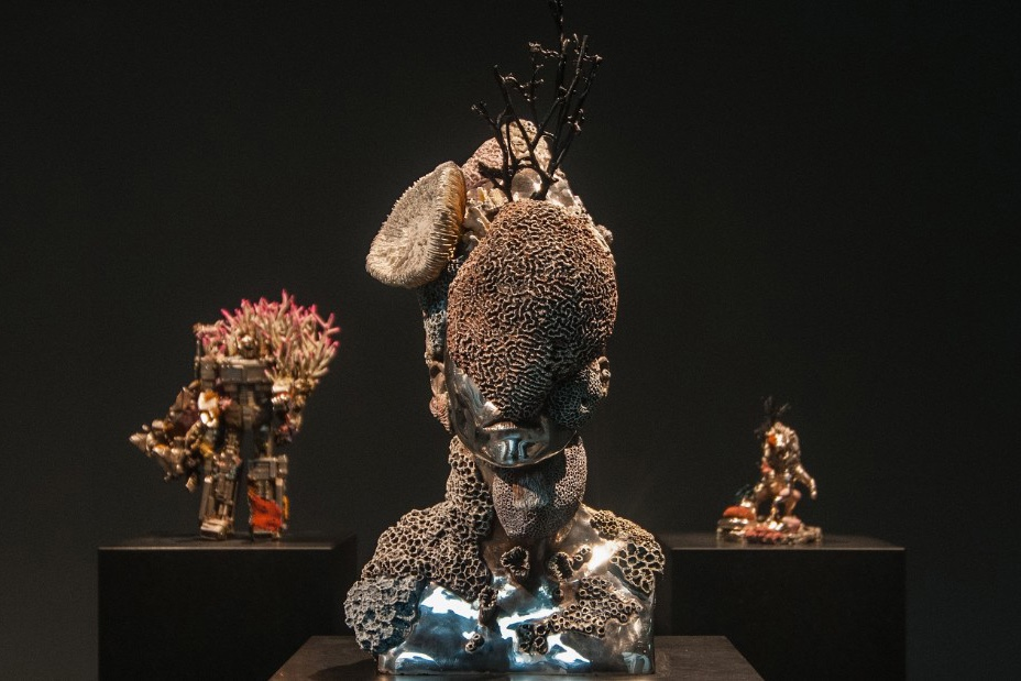http-hypebeast.comimage201704damien-hirst-treasures-from-the-wreck-of-the-unbelievable-4
