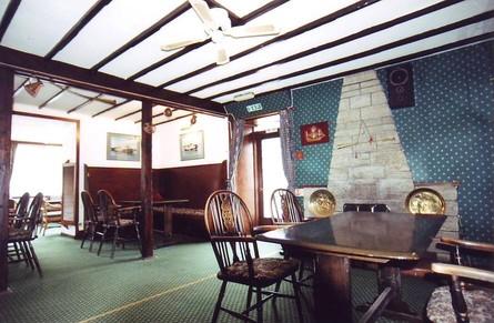 The Ferry Inn, Kintyre (c) 2001 Interior