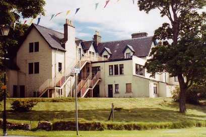 The Sutherland Arms Hotel, Lairg (c) 2000 Argyll Group plc