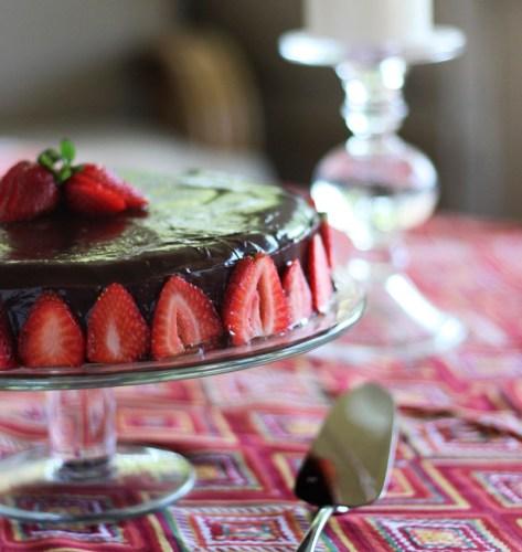 Gluten-free chocolate nut cake