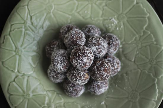 Raw, vegan protein balls