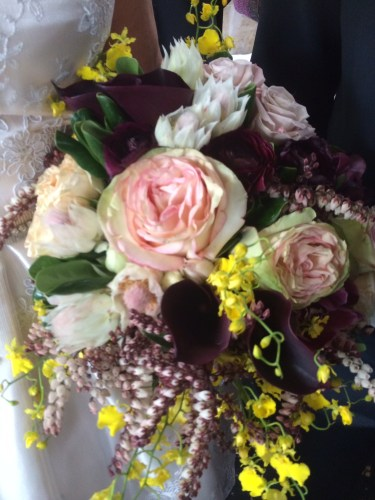 The bride designed her own bouquet