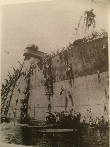 Troops abandoning the ship