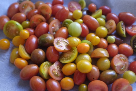 A mixture of heirloom tomatoes