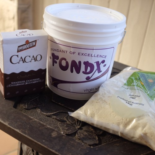 Cocao, fondant and almond meal