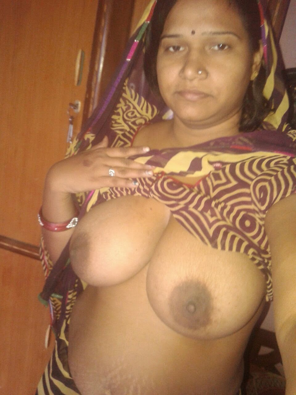 desi panty showing