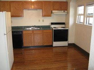 1037-Grand-River-Ave-East-Lansing-Rental-3