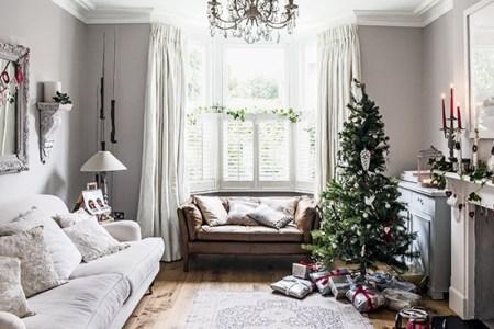 traditional white festive living room