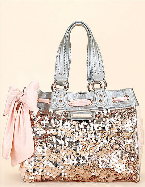 Coach never fails, glitter and bows. I WANT THIS. ♥
