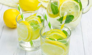 benefits-of-drinking-lemon-water-2103