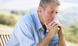 Middle-aged-men-without-friends-at-risk-of-health-problems
