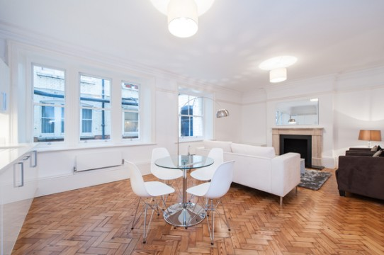 Spacious 2 Bedroom Apartment in Bedford Court Mansions, Bloomsbury, WC1