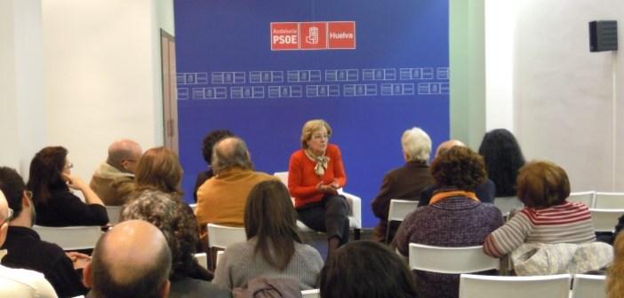 Petronila Guerro en la reunión sobre cultura.