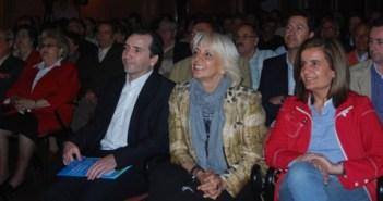 Teófila en el acto del PP en Almonte.