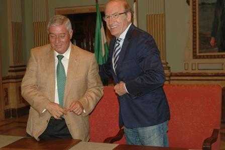 El presidente del Recreativo y el alcalde de Huelva.