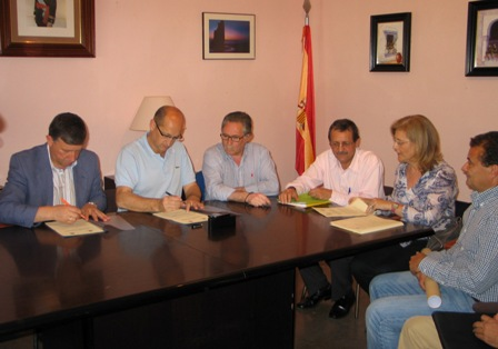 Firma del convenio sobre Ciparsa.