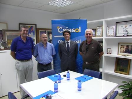 Cajasol firma convenios en Isla Cristina.