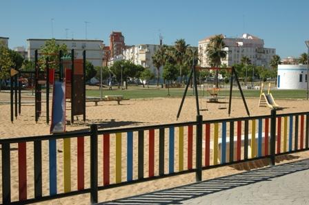 Valla perimetral instalada en el parque.