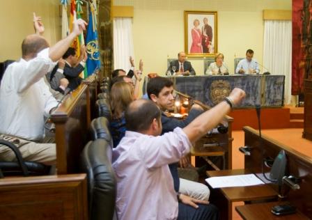 La unanimidad presidió el pleno de la Diputación. (Julián Pérez)