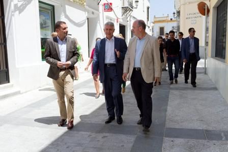 Visita del consejero Menacho a Moguer.