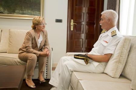 Visita del comandante de la marina