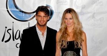 Los presentadores de la gala, Maxi Iglesias y Vanesa Romero.