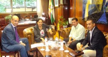 La presidenta del Puerto y representantes del sector de empresas auxiliares.