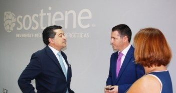 Javier Barrero en la empresa que visitó en la Cuenca Minera.