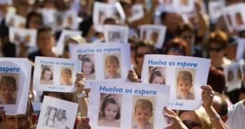 Un millar de personas acudió a la manifestación. (Julián Pérez)