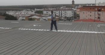 Arreglos en el techo del polideportivo.