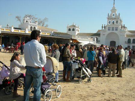 El Rocío recibirá numerosos visitantes este fin de semana.