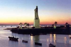 Monumento a Colón en la Punta del Sebo.