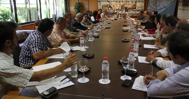 Reunión en el Puerto de Huelva.
