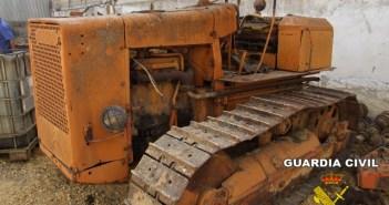Uno de los tractores robados.