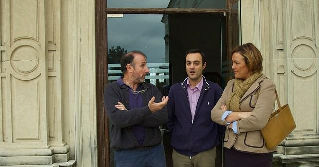 Tino Soriano, en la izquierda de la imagen, en la sede de la UNIA de La Rábida.
