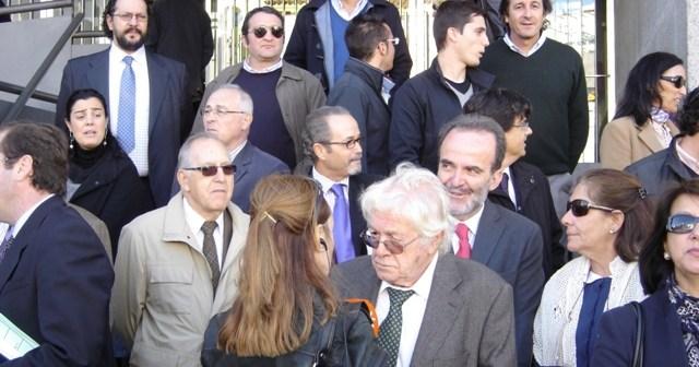 Imagen de archivo de una concentración de los abogados de Huelva ante el Palacio de Justicia en contra de la nueva ley de tasas.