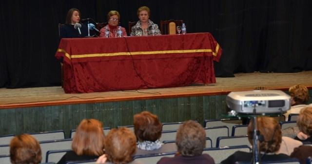 Inauguración de las jornadas de las amas de casa en Palos.