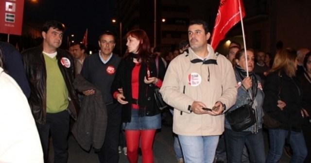 Caraballo, junto a otros dirigentes socialistas en la manifestación.