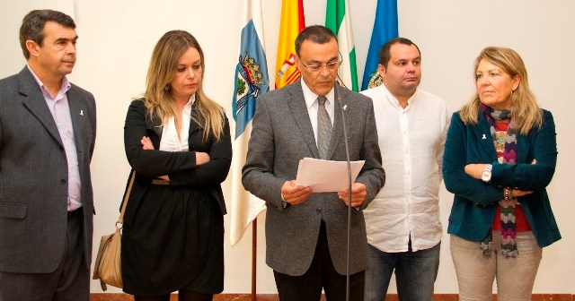 Lectura del manifiesto en la Diputación.