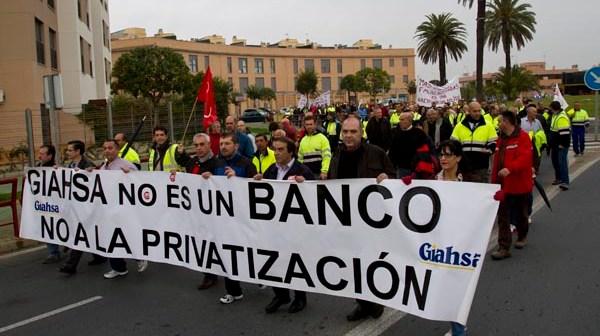 Marcha de los trabajadores de Giahsa durante la huelga de 24 horas que protagonizaron. (Julián Pérez)