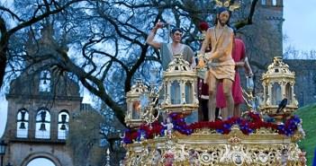 El Cristo de la Sangre de Aracena en su salida procesional del Jueves Santo. (Julián Pérez)